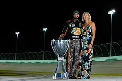 Campeón 2017 Martin Truex Jr., Furniture Row Racing Toyota, Sherry Pollex