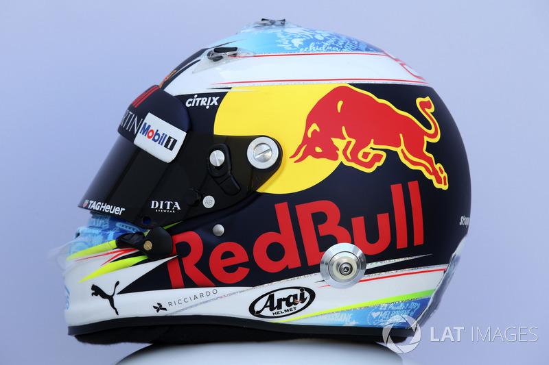 Шлем Даниэля Риккардо из сезона-2018 (выступал за Red Bull Racing)
