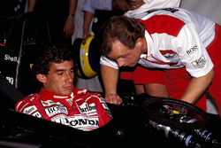 Ayrton Senna, McLaren confers with Josef Leberer, McLaren Physio