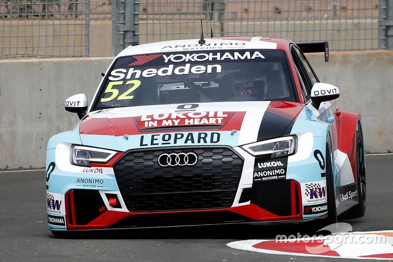 Tom Kristensen con el Audi RS3 LMS of Gordon Shedden