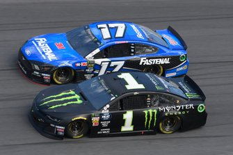 Kurt Busch, Chip Ganassi Racing, Chevrolet Camaro Monster Energy, Clint Bowyer, Stewart-Haas Racing, Ford Mustang Rush Truck Centers/Mobil 1