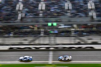 Kyle Larson, Chip Ganassi Racing, Chevrolet Camaro Credit One Bank, Alex Bowman, Hendrick Motorsports, Chevrolet Camaro Nationwide