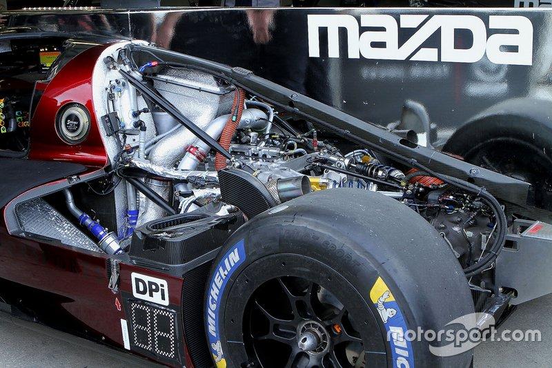 Двигатель Mazda Dpi (№77) команды Mazda Team Joest