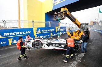 Il recupero della monoposto di Maximilian Gunther, Dragon Racing, Penske EV-3