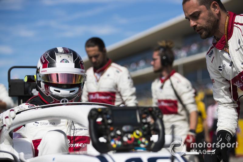 Charles Leclerc, Sauber, in griglia di partenza