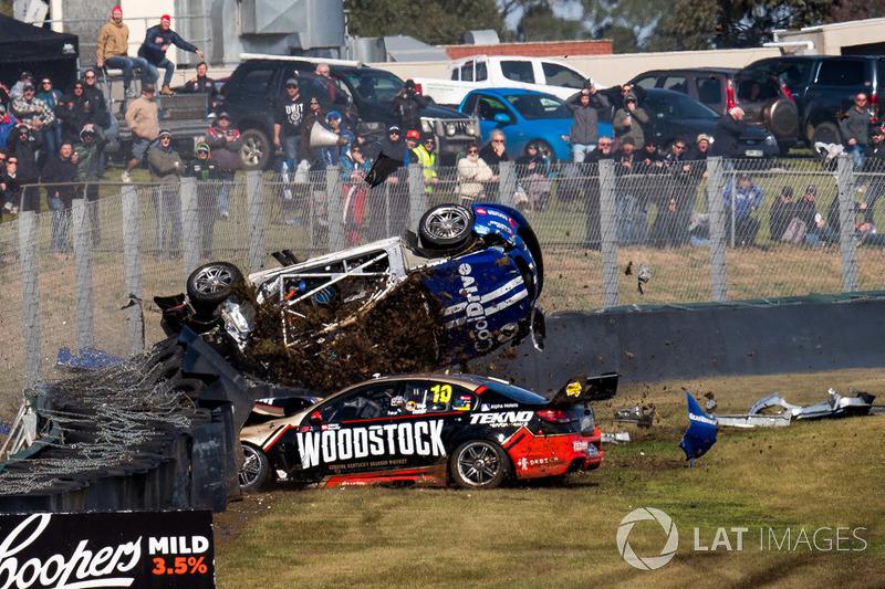 Todd Hazelwood, Brad Jones Racing crash