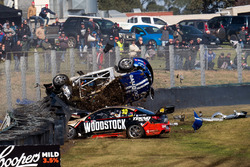 Тодд Хейзелвуд, Brad Jones Racing, аварія