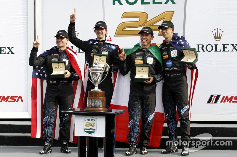 Ganador #10 Wayne Taylor Racing Cadillac DPi: Ricky Taylor, Jordan Taylor, Max Angelelli, Jeff Gordon