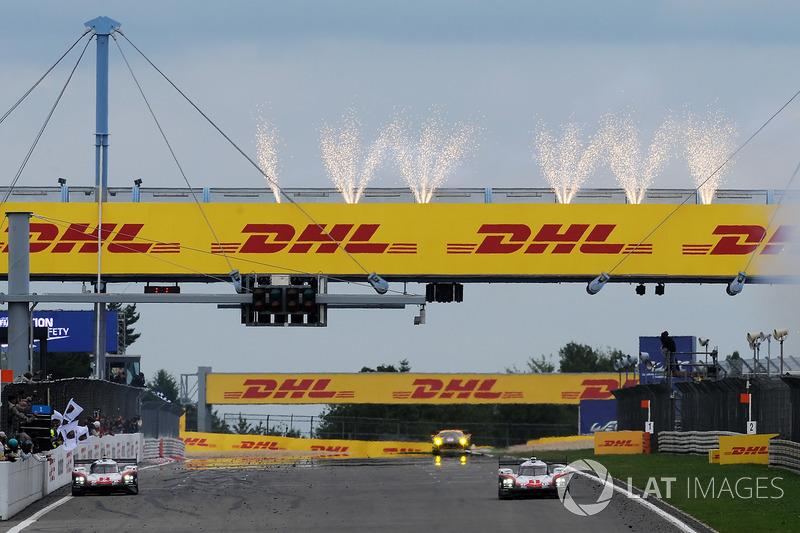 Sieg für #2 Porsche Team Porsche 919 Hybrid: Timo Bernhard, Earl Bamber, Brendon Hartley, vor #1 Porsche Team Porsche 919 Hybrid: Neel Jani, Andre Lotterer, Nick Tandy