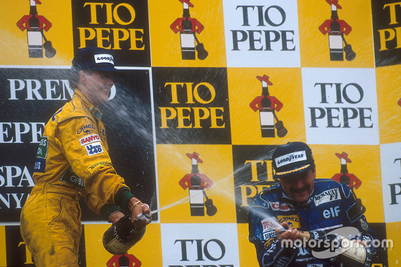Podium : le vainqueur Nigel Mansell, Williams Renault et le second Michael Schumacher, Benetton Ford