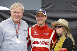 Dale and Gail Coyne with winner Sébastien Bourdais, Dale Coyne Racing Honda