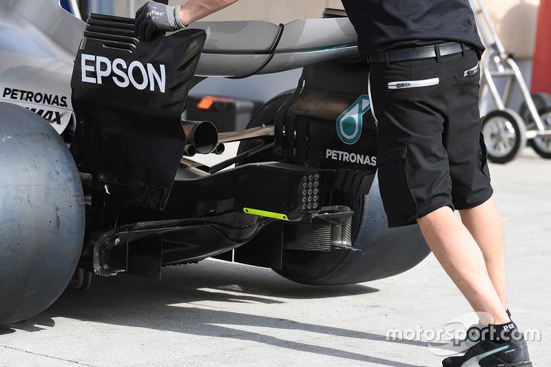 Mercedes AMG F1 W08, alerón trasero