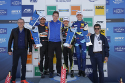 Podium: 1. Lando Norris, Carlin Dallara F317 - Volkswagen; 2. Jehan Daruvala, Carlin, Dallara F317 -