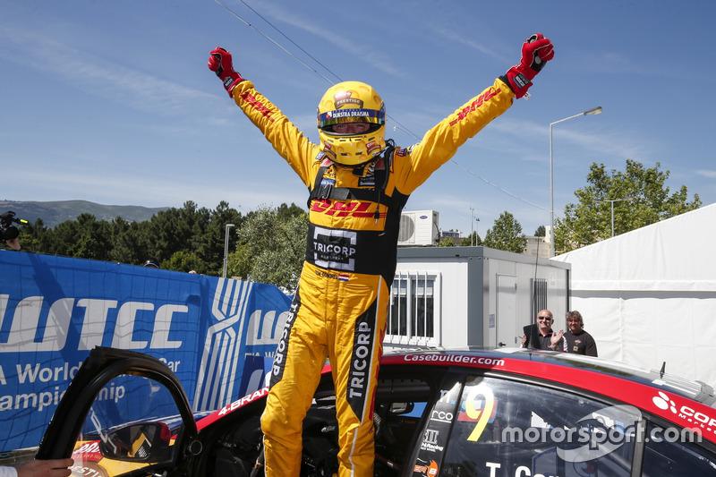 Yarış galibi Tom Coronel, Roal Motorsport, Chevrolet RML Cruze TC1