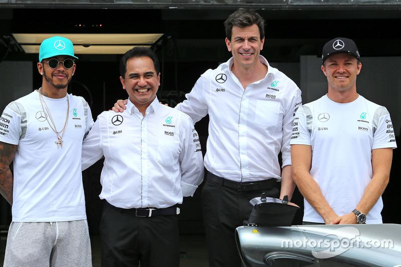 Lewis Hamilton, Mercedes AMG F1 Team, Nico Rosberg, Mercedes AMG F1 Team and Toto Wolf, Mercedes AMG F1 Team