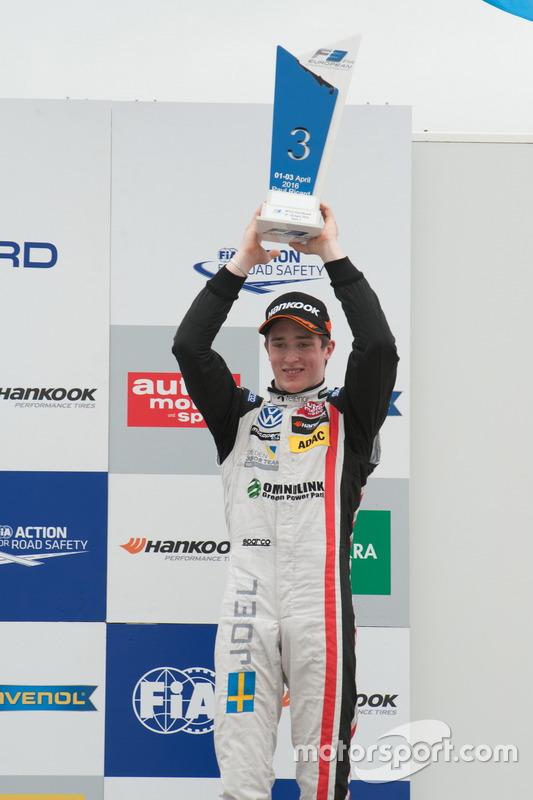 Le vainqueur Joel Eriksson, Motopark Dallara F312 – Volkswagen