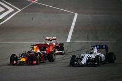 Kimi Raikkonen, Ferrari SF16-H, Daniel Ricciardo, Red Bull Racing RB12 and Felipe Massa, Williams FW38