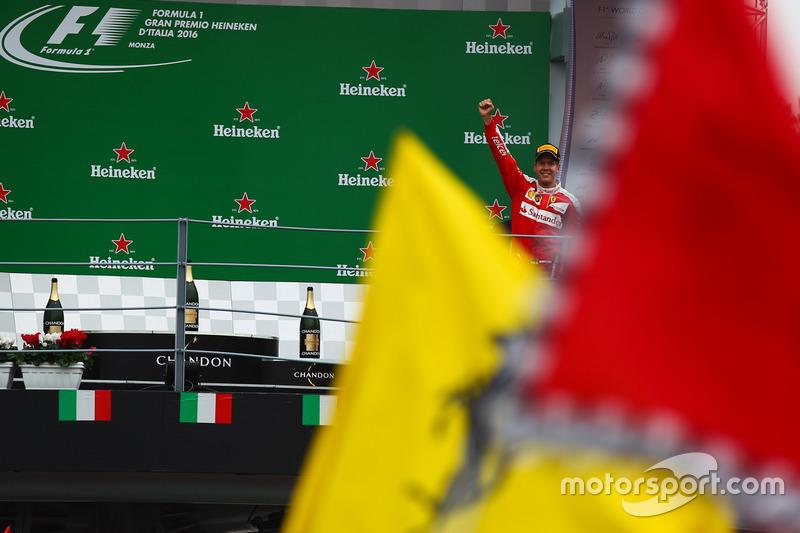 Podium: Sebastian Vettel, Ferrari SF16-H