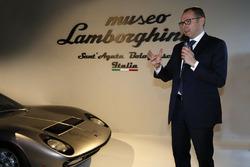 CEO Stefano Domenicali alla presentazione del Museo Lamborghini a Sant'Agata Bolognese