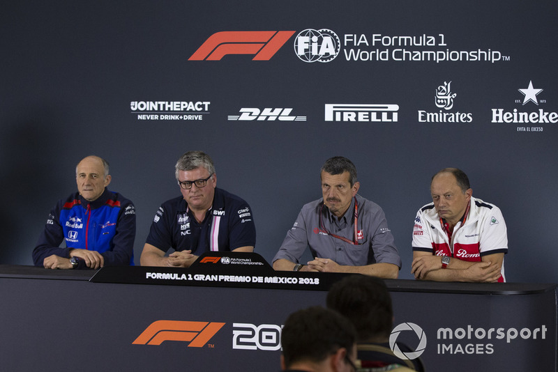 Franz Tost, director del equipo Scuderia Toro Rosso, Otmar Szafnauer, director del equipo Racing Point Force India, Guenther Steiner, director del equipo Haas F1 y Frederic Vasseur, director del equipo en la conferencia de prensa