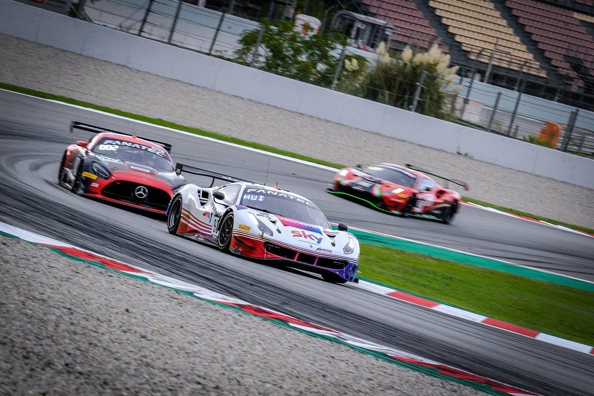 # 93 SKY - Tempesta Racing Ferrari 488 GT3: Chris Froggatt, Jonathan Hui, Rino Mastronardi