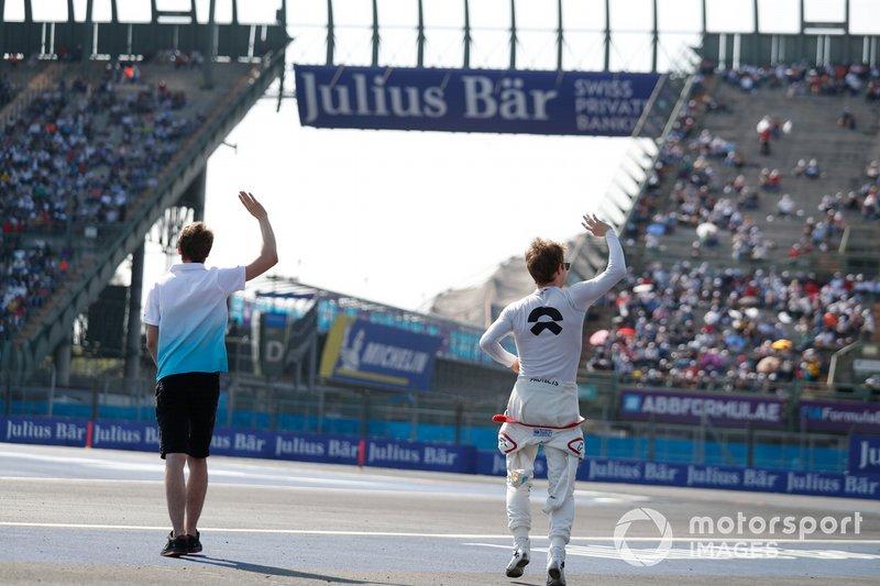Tom Dillmann, NIO Formula E Team e Oliver Turvey, NIO Formula E Team, alla presentazione dei piloti