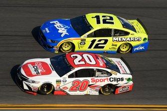 Erik Jones, Joe Gibbs Racing, Toyota Camry Sport Clips, Ryan Blaney, Team Penske, Ford Mustang Menards/Peak