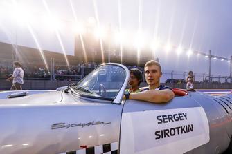 Sergey Sirotkin, Williams Racing, in a Porsche Spyder