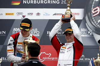 Podium: Winnaars #88 Akka ASP Team Mercedes-AMG GT3: Raffaele Marciello, Michael Meadows