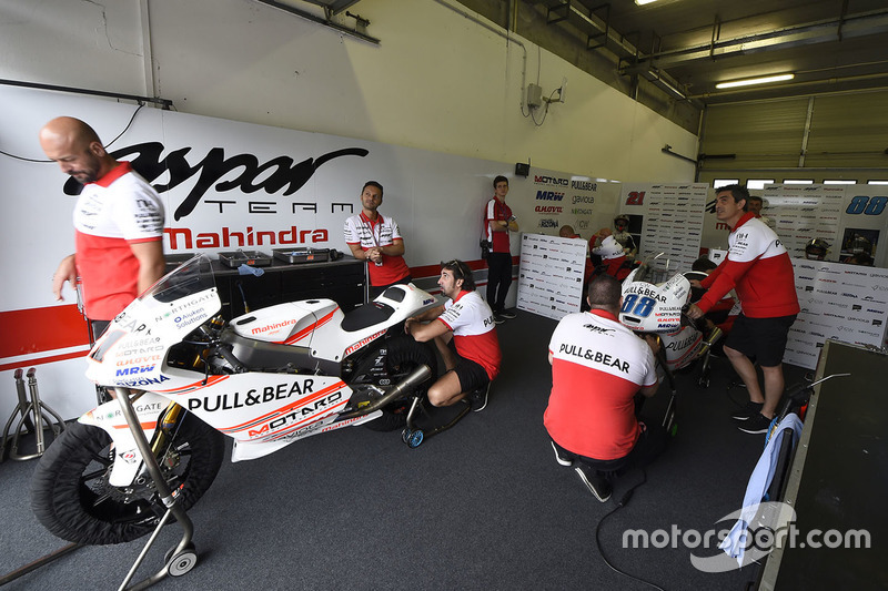 Aspar Team Mahindra garage