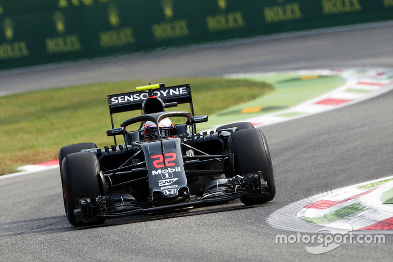 Designstudie: McLaren MP4/31 mit Halo