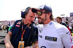 Paul Monaghan, Red Bull Racing Ingeniero Fernando Alonso, McLaren en la parrilla