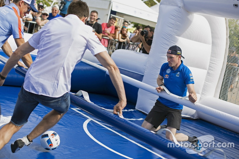 Sébastien Ogier, Jari-Matti Latvala, Volkswagen Motorsport,  playing life size table soccer