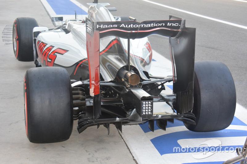 Haas F1 Team VF-16, Rear
