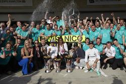 Льюис Хэмилтон, Mercedes AMG F1, Нико Росберг, Mercedes AMG F1; лыжница Линдси Вонн; Гордон Рэмси; Л