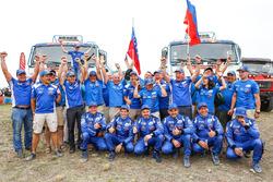 #500 Team Kamaz Master: Eduard Nikolaev, Evgeny Yakovlev, Vladimir Rybakov, #507 Team Kamaz Master: Ayrat Mardeev, Aydar Belyaev, Dmitry Svistunov