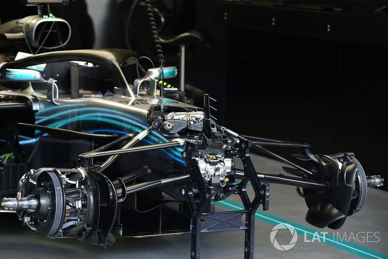 Mercedes-AMG F1 W09 EQ Power in the garage