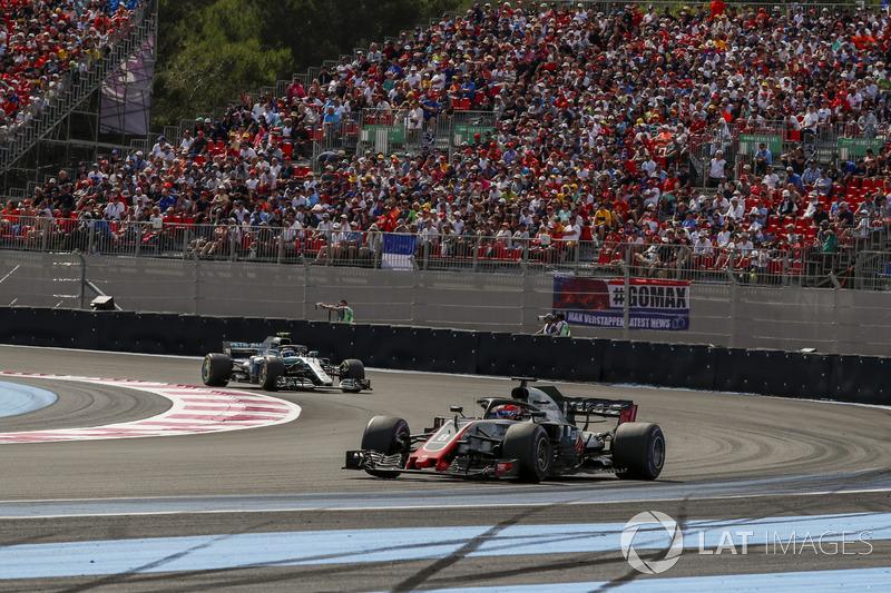 Grosjean, Bottas tarafından pist dışına itildiği için şikâyetçi