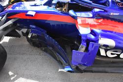 تفاصيل جانب سيارة تورو روسو اس.تي.آر13