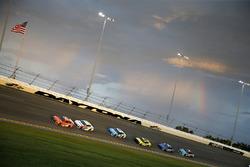 Daniel Suarez, Joe Gibbs Racing, Toyota Camry ARRIS Kasey Kahne, Leavine Family Racing, Chevrolet Camaro Thorne Wellness
