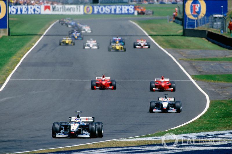 Schumacher en Irvine naast elkaar op Hangar Straight:
