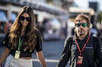 Fernando Alonso, McLaren y su novia Linda Morselli
