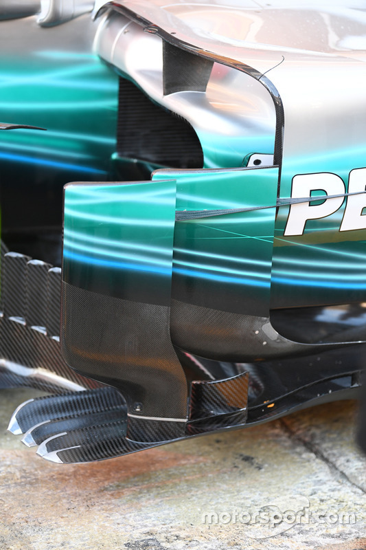 Mercedes-Benz F1 W08  barge board detail