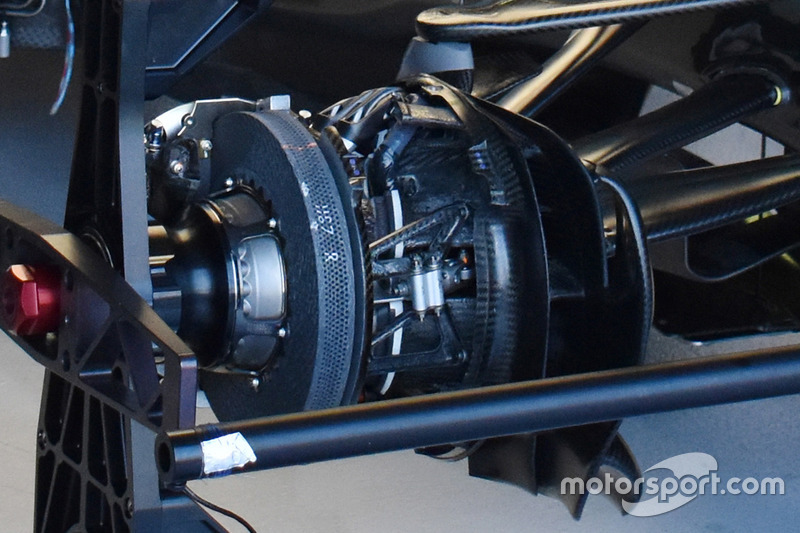 Mercedes AMG F1 W08: Vorderrad-Bremse