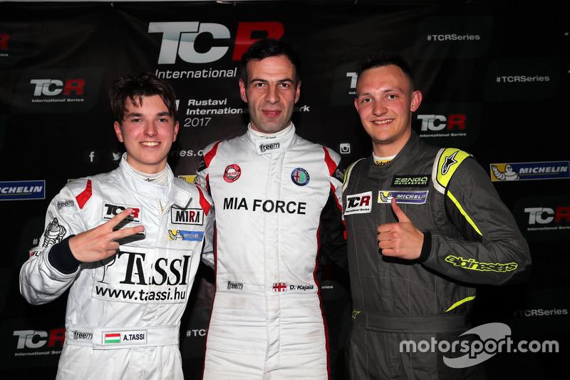 Polesitter Davit Kajaia, GE-Force, Alfa Romeo Giulietta TCR; 2. Attila Tassi, M1RA, Honda Civic TCR; 3. Ferenc Ficza, Zele Racing, SEAT León TCR
