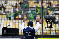 Felipe Massa, Williams, waves to fans