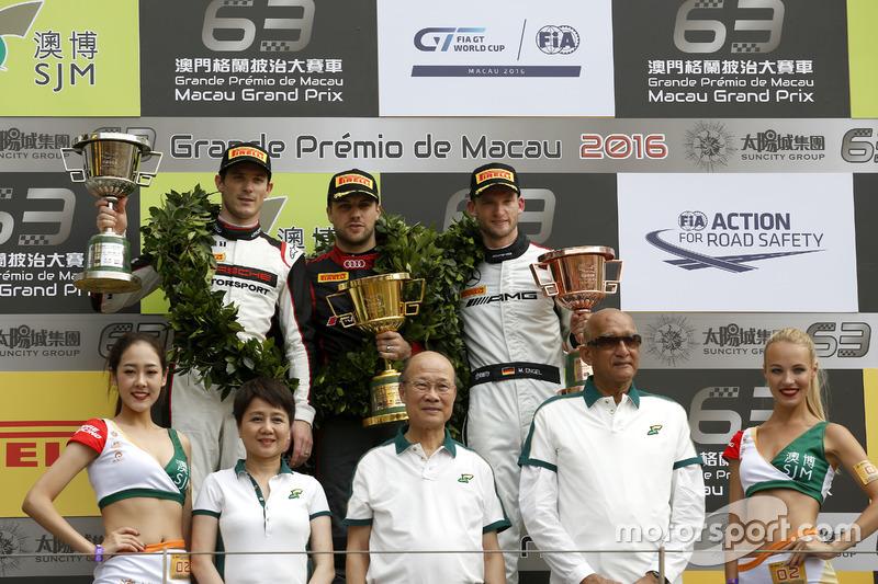 Подіум: переможець гонки Лоранс Вантор, Audi Sport Team WRT Audi R8 LMS; Друге місце Кевін Ерсте, Ma