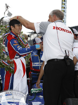 Winner Takuma Sato, Andretti Autosport Honda with Art St Cyr of HPD