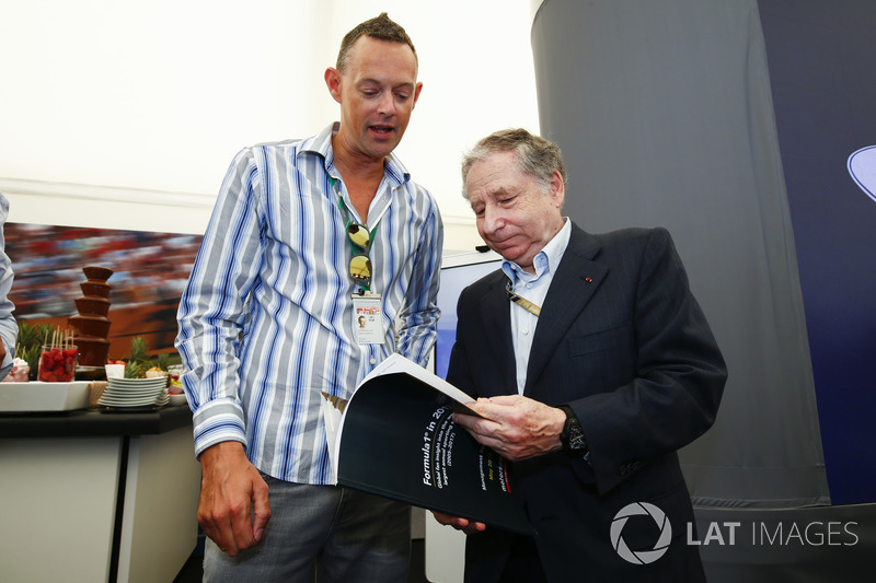 Charles Bradley, Motorsport.com Editor in Chief and Jean Todt, President, FIA with the Global Fan Survey report