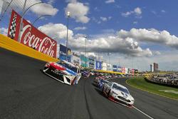 Pace-Laps: Kevin Harvick, Stewart-Haas Racing, Ford; Kyle Busch, Joe Gibbs Racing, Toyota